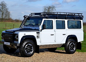 2015/65 Land Rover Defender 2.2TD 110 Adventure Limited Edition