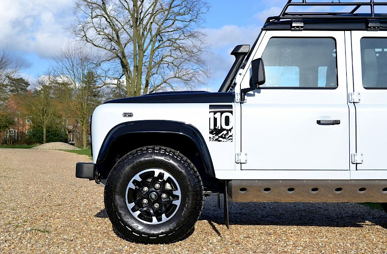 2015/65 Land Rover Defender 2.2TD 110 Adventure Limited Edition 9