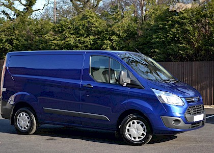 2016/16 Ford Transit Custom Trend 290 2.2TDCI 125 ps with A/C Deep impact blue