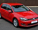 2016/16 Volkswagen Golf 1.6TDI 105ps Bluemotion Highline 5 Door Red Metallic 1