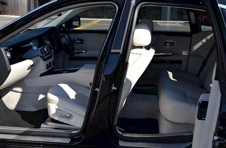 2011/60 Rolls Royce Ghost 12