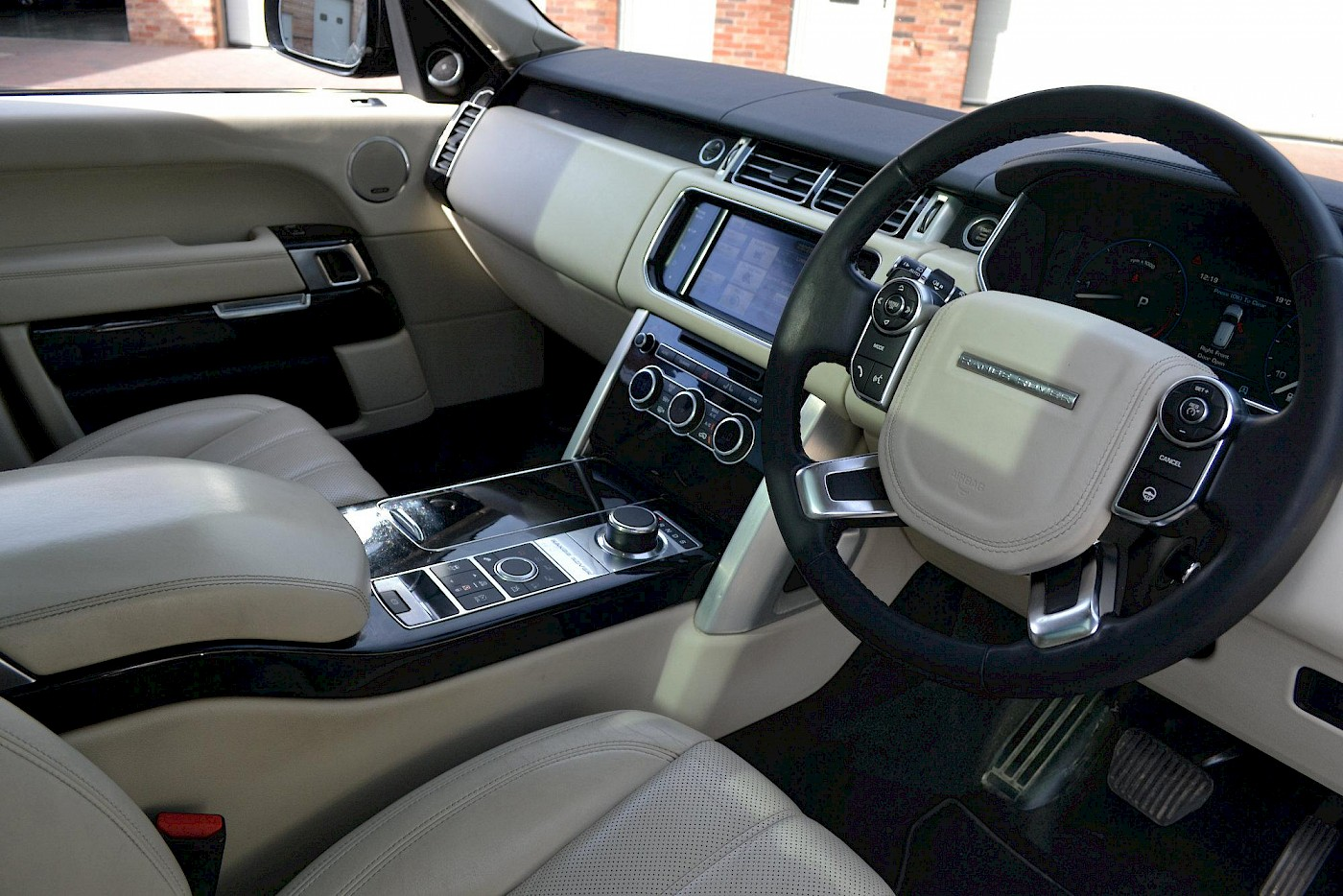 2013/13 Land Rover Range Rover Vogue 4.4 16