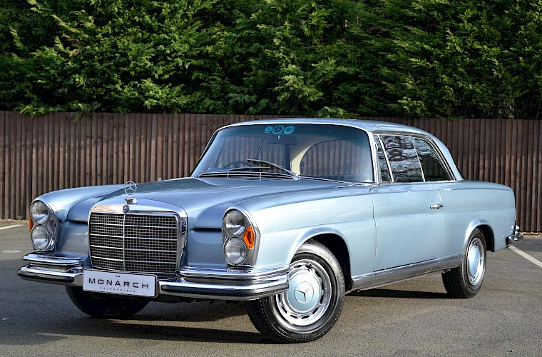1971 RHD Mercedes-Benz 280 SE 3.5 V8 Coupe 6