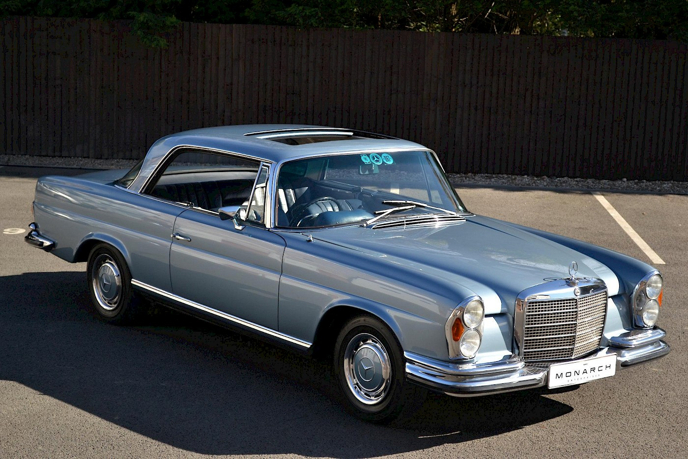 1971 RHD Mercedes-Benz 280 SE 3.5 V8 Coupe 1