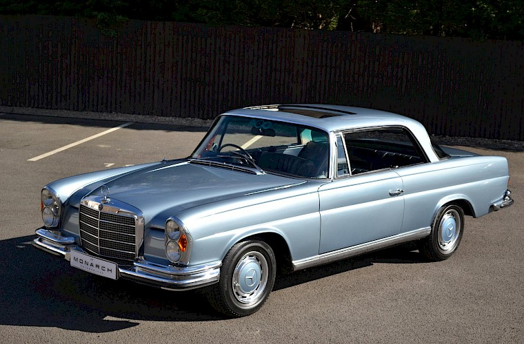 1971 RHD Mercedes-Benz 280 SE 3.5 V8 Coupe 2