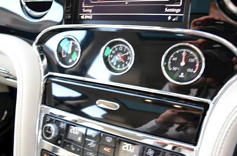 2014/63 Bentley Mulsanne Mulliner Driving specification 36