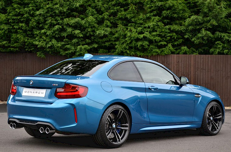 2017/17 BMW M2 Coupe DCT 12