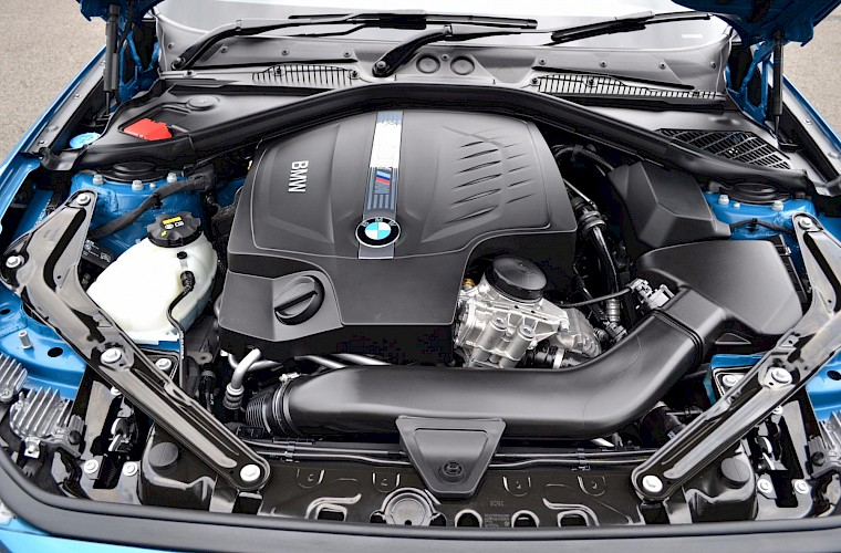 2017/17 BMW M2 Coupe DCT 20