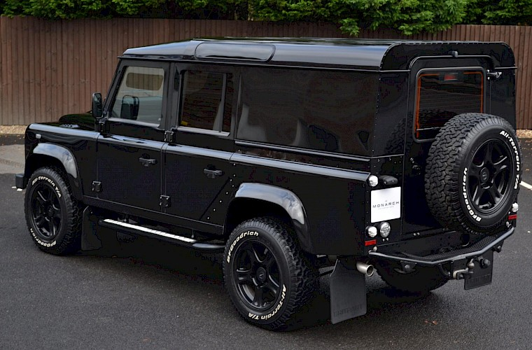 2014/64 Land Rover Defender 110 XS Utility URBAN Nurburg Edition 7