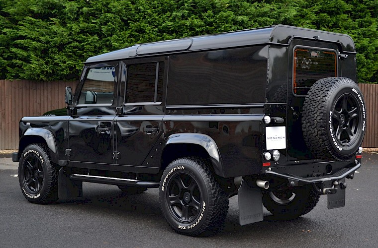 2014/64 Land Rover Defender 110 XS Utility URBAN Nurburg Edition 13
