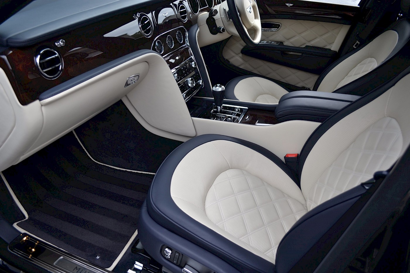 2015/64 Bentley Mulsanne Speed 21