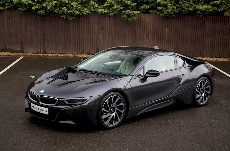 2016/16 BMW i8 Coupe 3