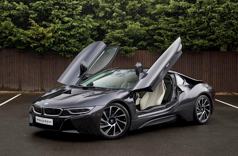 2016/16 BMW i8 Coupe 8