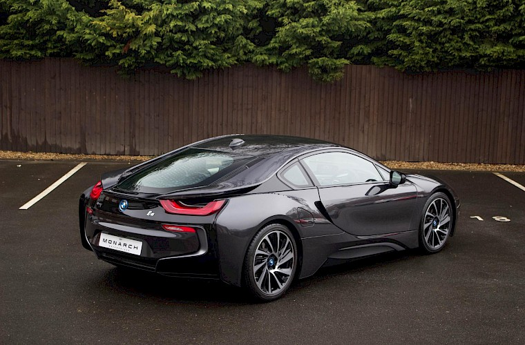 2016/16 BMW i8 Coupe 9