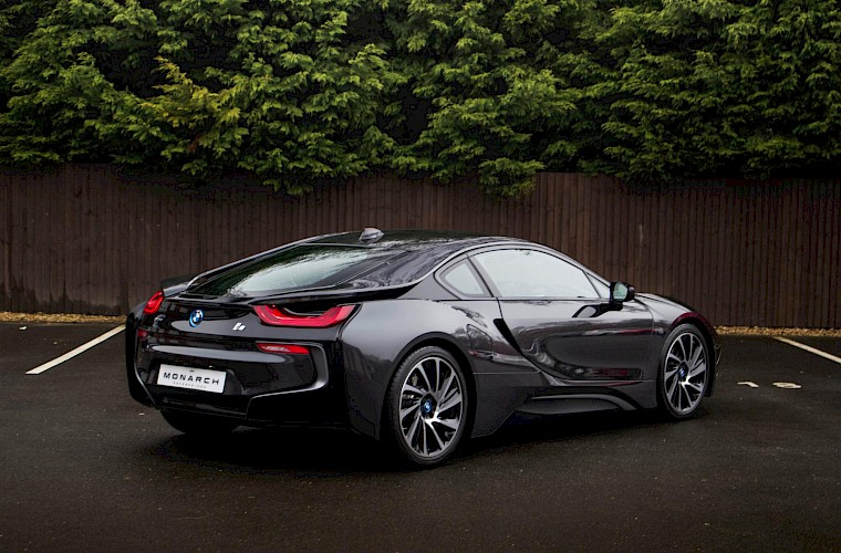 2016/16 BMW i8 Coupe 15