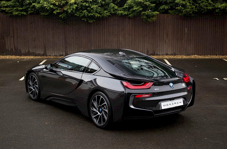 2016/16 BMW i8 Coupe 10
