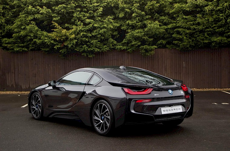 2016/16 BMW i8 Coupe 16