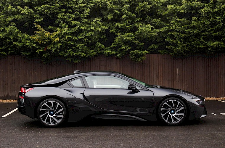 2016/16 BMW i8 Coupe 12