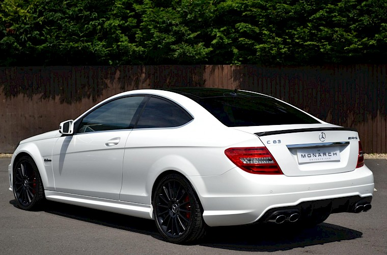 2012/62 Mercedes-Benz C63 AMG Coupe 15