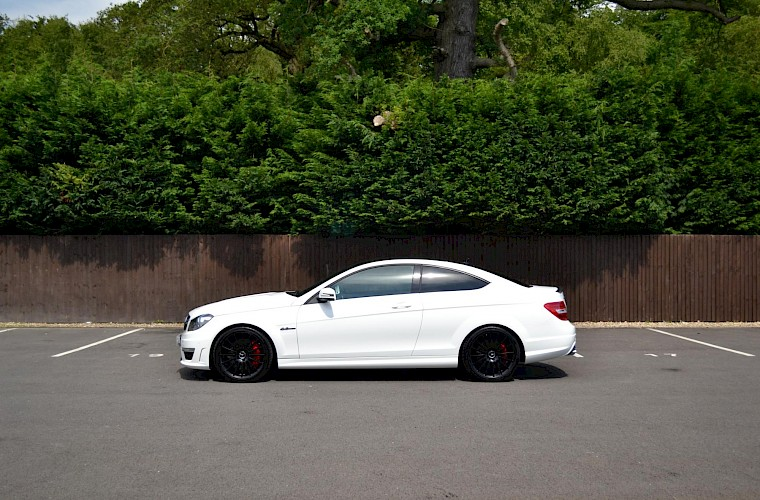 2012/62 Mercedes-Benz C63 AMG Coupe 13