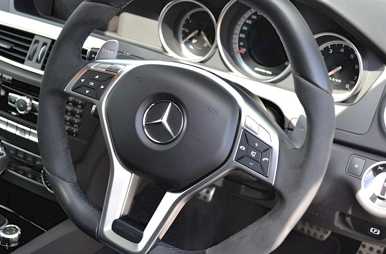2012/62 Mercedes-Benz C63 AMG Coupe 32