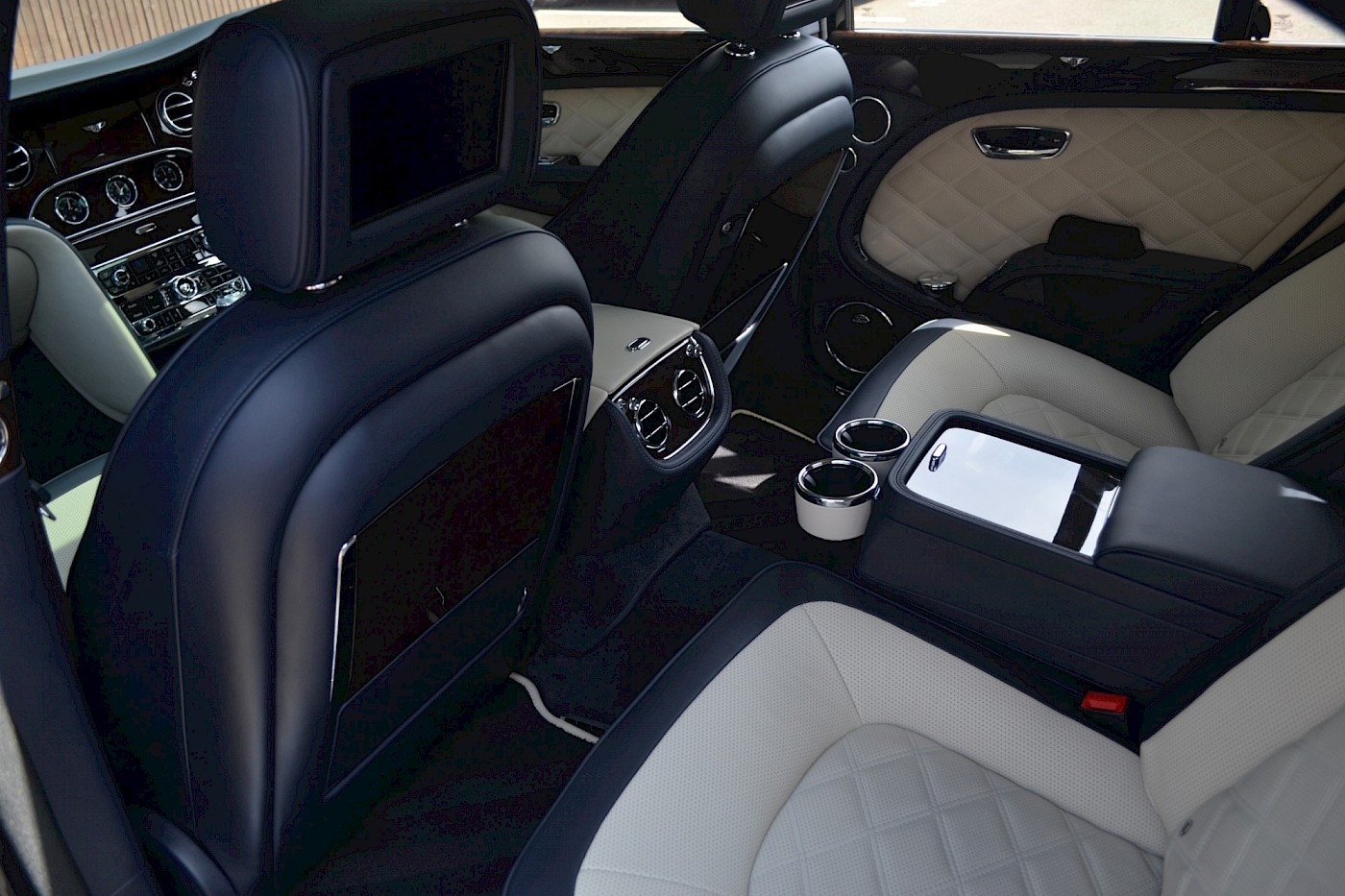 2015/64 Bentley Mulsanne Speed V8 33