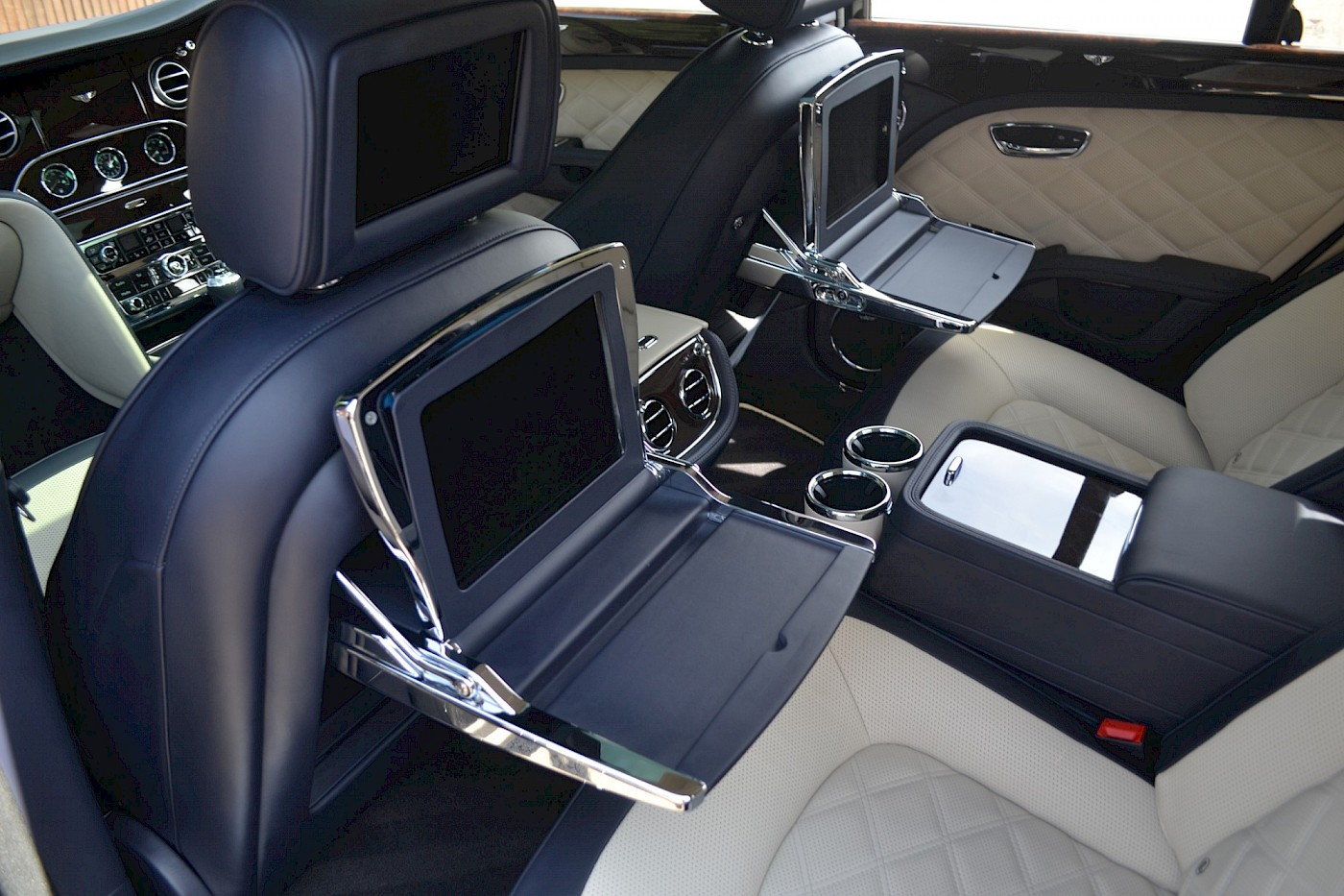 2015/64 Bentley Mulsanne Speed V8 36