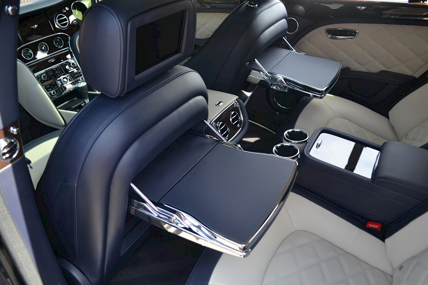 2015/64 Bentley Mulsanne Speed V8 37