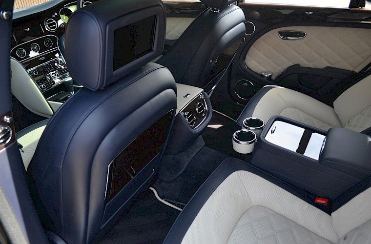 2015/64 Bentley Mulsanne Speed V8 38