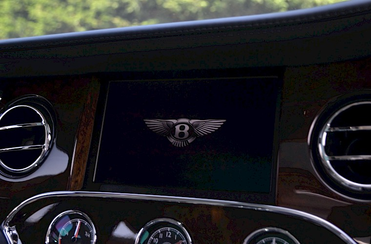 2015/64 Bentley Mulsanne Speed V8 49