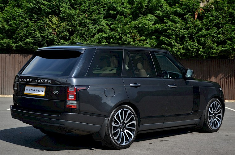 2014/64 Land Rover Range Rover 4.4 Autobiography 13
