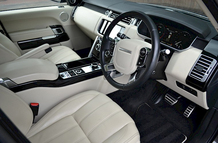 2014/64 Land Rover Range Rover 4.4 Autobiography 24