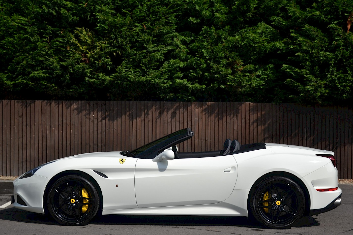 2016/16 Ferrari California T 11