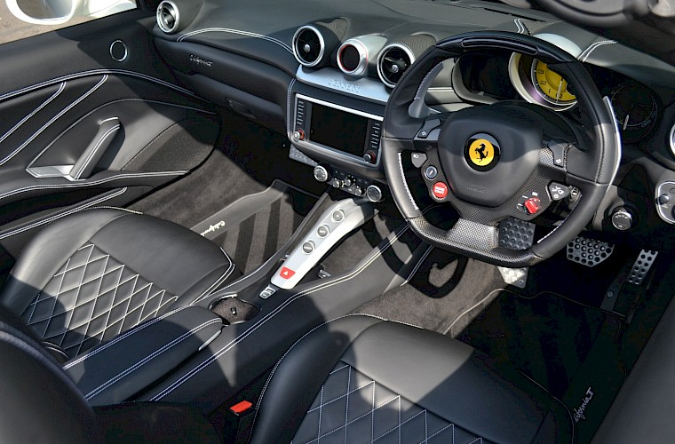 2016/16 Ferrari California T 27