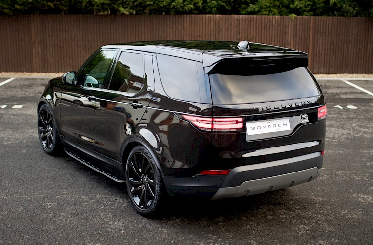 2017/17 Land Rover Discovery HSE TD6 8