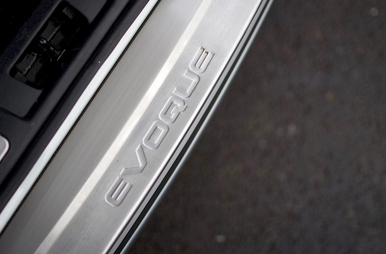 2013/13 Range Rover Evoque Dynamic Luxury SD4 39
