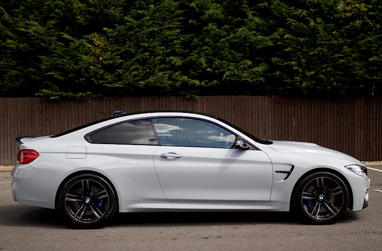 2014/14 BMW M4 Coupe DCT 10
