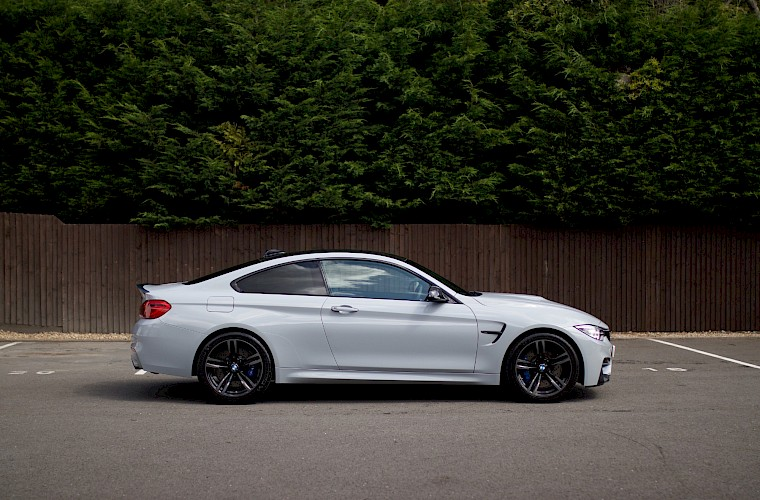 2014/14 BMW M4 Coupe DCT 9