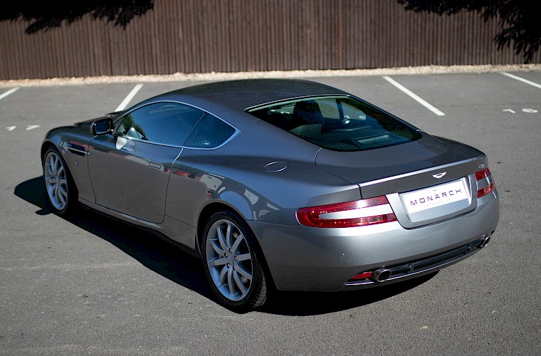 2004/54 Aston Martin DB9 Coupe 9