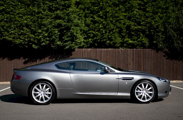 2004/54 Aston Martin DB9 Coupe 11