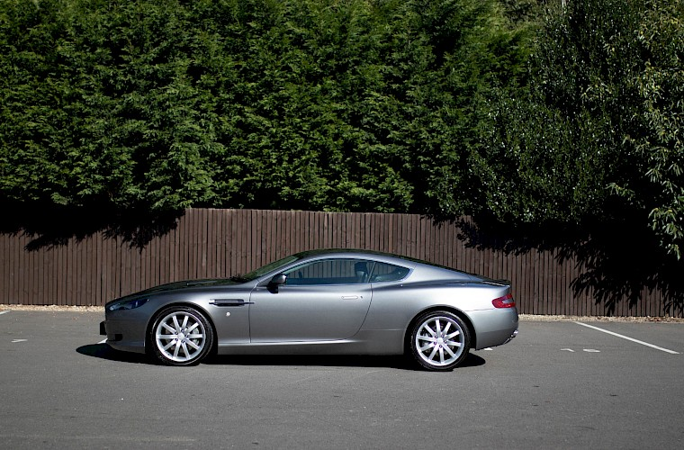 2004/54 Aston Martin DB9 Coupe 13