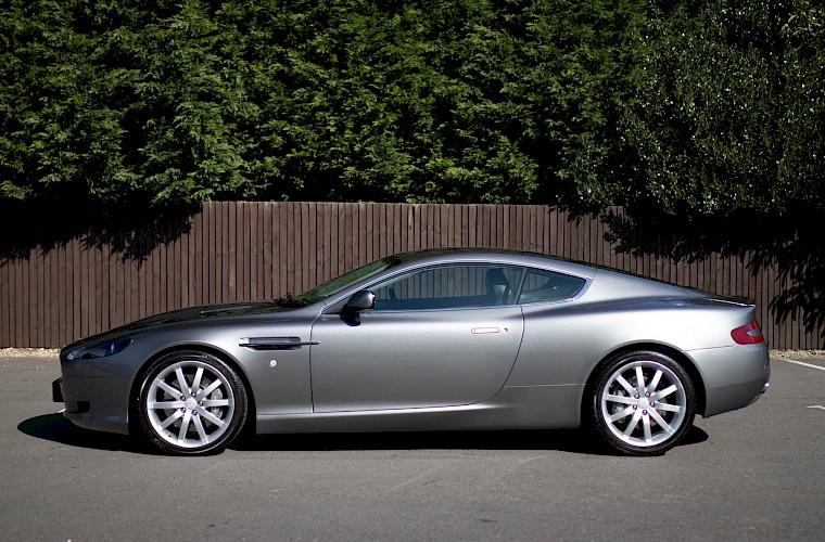 2004/54 Aston Martin DB9 Coupe 12