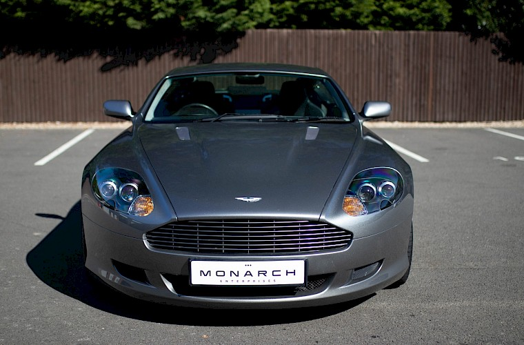 2004/54 Aston Martin DB9 Coupe 16