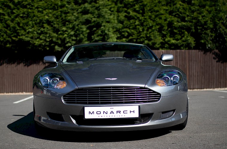 2004/54 Aston Martin DB9 Coupe 17