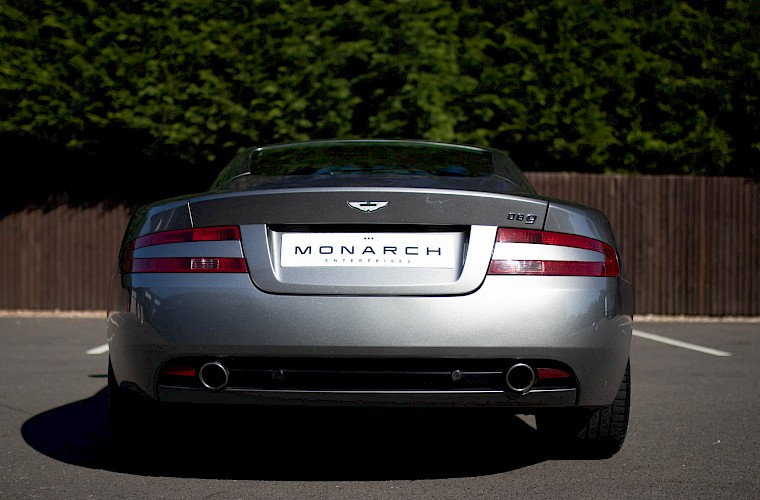 2004/54 Aston Martin DB9 Coupe 19