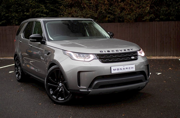 2017/17 Land Rover Discovery First Edition TD6 3