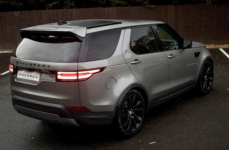 2017/17 Land Rover Discovery First Edition TD6 7