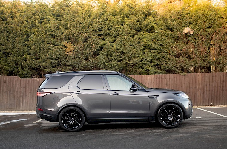 2017/17 Land Rover Discovery HSE TD6 3.0 11
