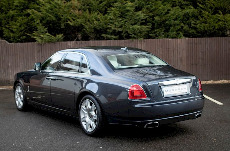 2011/60 Rolls-Royce Ghost V12 14