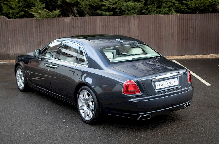 2011/60 Rolls-Royce Ghost V12 10